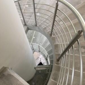 INWEST BAU Hala Sportowa schody realizacja